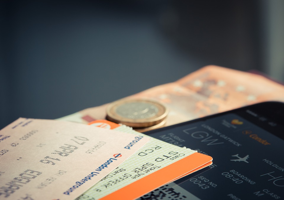 Robert Vowler The Best Time To Buy Airplane Tickets For The Holiday Season