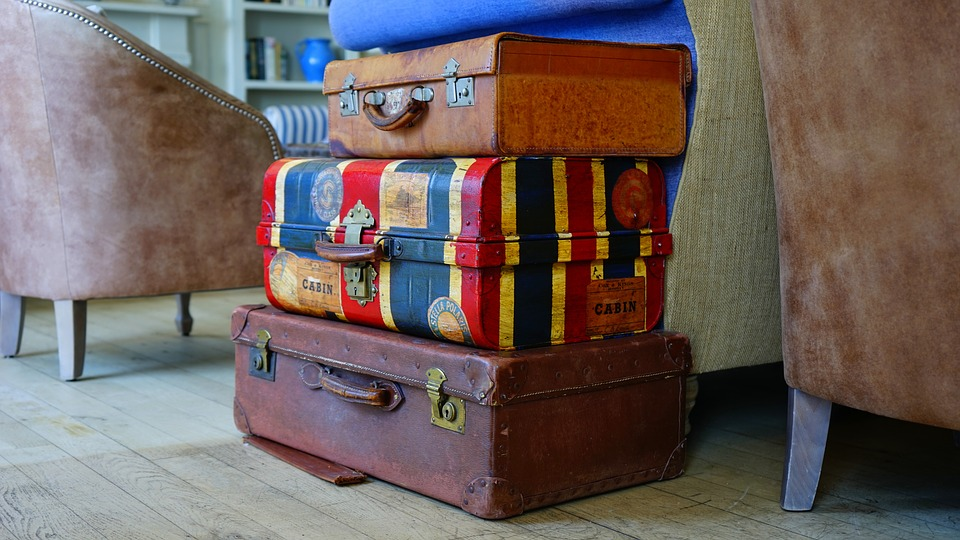 Robert Vowler Luggage Damaged? Here's What to do!